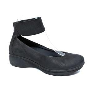 DANSKO Lulu Ankle Strap Wedge Black Flats 36